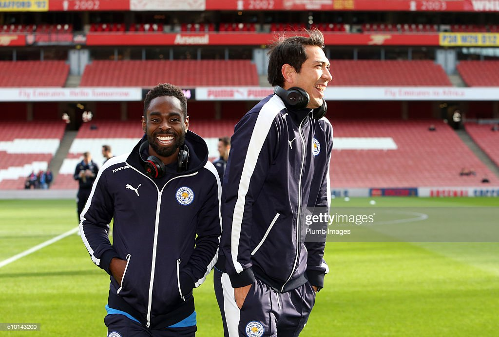 <a gi-track='captionPersonalityLinkClicked' href=/galleries/search?phrase=Nathan+Dyer&family=editorial&specificpeople=684113 ng-click='$event.stopPropagation()'>Nathan Dyer</a> and <a gi-track='captionPersonalityLinkClicked' href=/galleries/search?phrase=Leonardo+Ulloa&family=editorial&specificpeople=7433674 ng-click='$event.stopPropagation()'>Leonardo Ulloa</a> of Leicester City ahead of the Barclays Premier League match between Arsenal and Leicester City at Emirates Stadium on February 14, 2016 in London, United Kingdom.