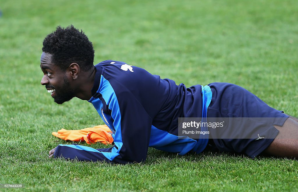 <a gi-track='captionPersonalityLinkClicked' href=/galleries/search?phrase=Nathan+Dyer&family=editorial&specificpeople=684113 ng-click='$event.stopPropagation()'>Nathan Dyer</a> of Leicester City looks on during a Leicester City training session at Belvoir Drive Training Ground on May 3, 2016 in Leicester, England.