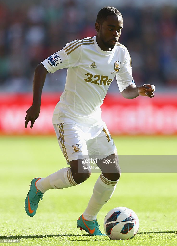 Nathan Dyer of Swansea City in action during the Barclays Premier League match between Swansea City and Reading at the Liberty Stadium on October 6, 2012 in Swansea, Wales.
