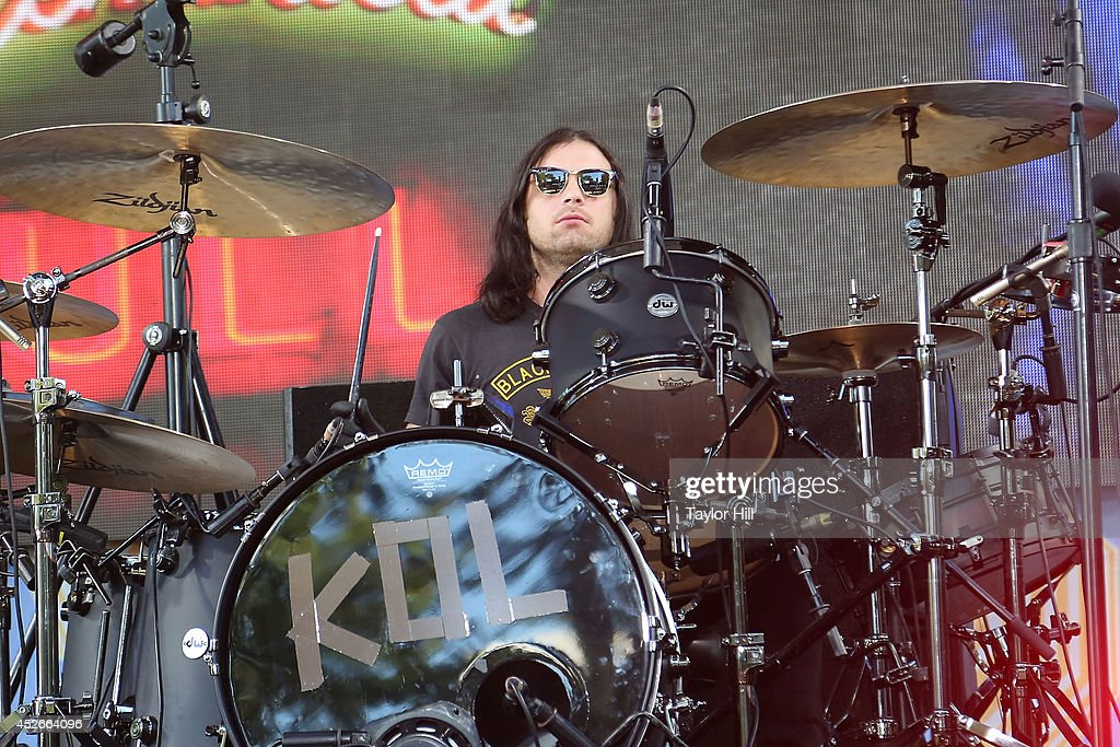 <a gi-track='captionPersonalityLinkClicked' href=/galleries/search?phrase=Nathan+Followill&family=editorial&specificpeople=221434 ng-click='$event.stopPropagation()'>Nathan Followill</a> of Kings of Leon performs on ABC's 'Good Morning America' at Rumsey Playfield, Central Park on July 25, 2014 in New York City.