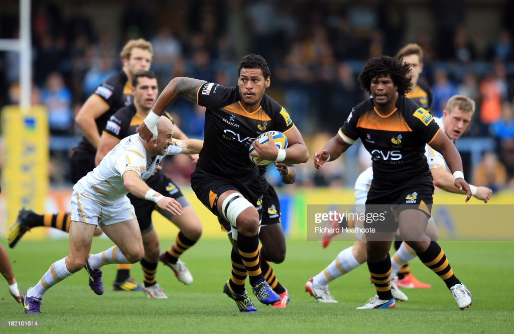 Nathan Hughes of Wasps makes a break during the Aviva Premiership match between London Wasps and Worcester Warriors at Adams Park on September 28, 2013 in High Wycombe, England.