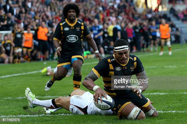 Nathan Hugues of London Wasps scores a try during the European Rugby Champions Cup between Stade Toulousain and London Wasps at Stade Ernest Wallon...