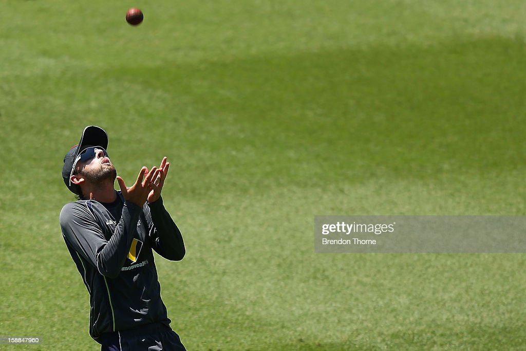 Nathan Lyon of Australia fields during an Australian training session at Sydney Cricket Ground on January 1, 2013 in Sydney, Australia.