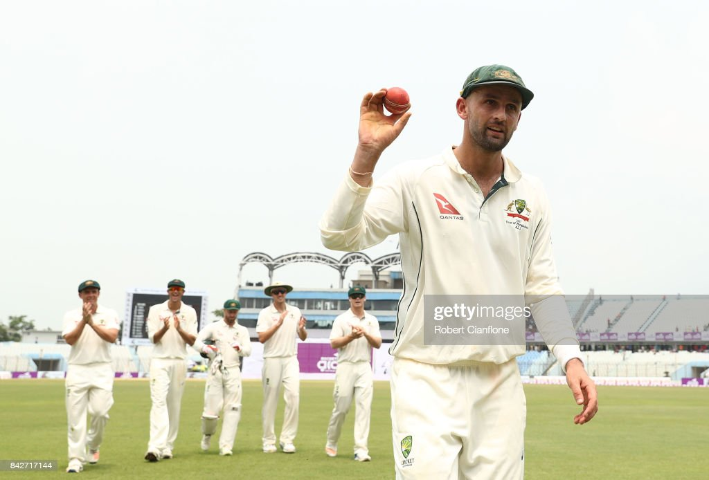 Bangladesh v Australia - 2nd Test: Day 2