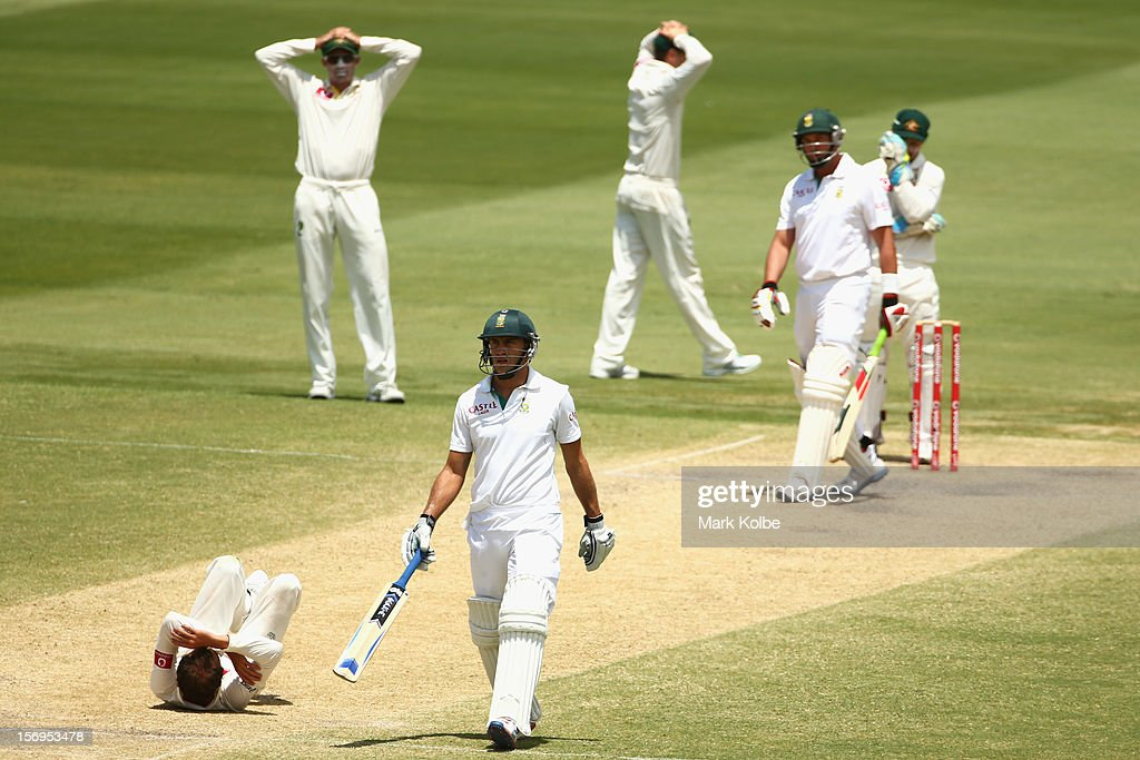 Nathan Lyon of Australia reacts after dropping a return catch from Jacques Kallis of South Africa during day five of the Second Test Match between Australia and South Africa at Adelaide Oval on November 26, 2012 in Adelaide, Australia.