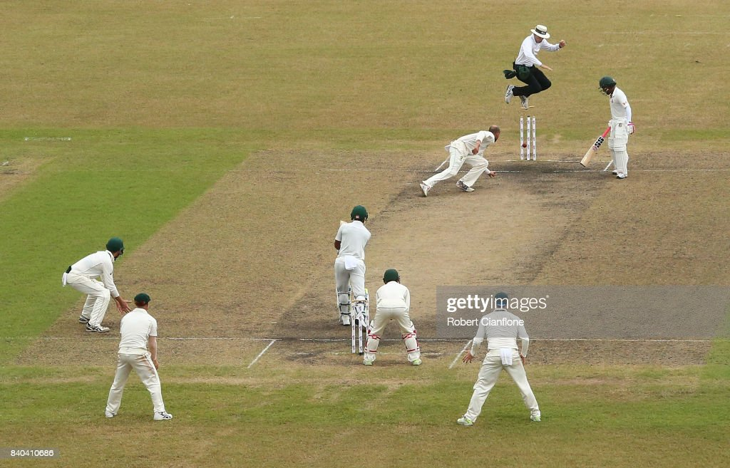 Bangladesh v Australia - 1st Test: Day 3