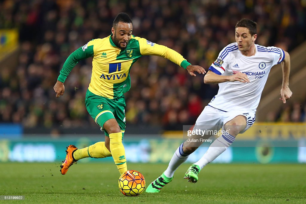 <a gi-track='captionPersonalityLinkClicked' href=/galleries/search?phrase=Nathan+Redmond&family=editorial&specificpeople=6489095 ng-click='$event.stopPropagation()'>Nathan Redmond</a> of Norwich City and Nemanja Matic of Chelsea compete for the ball during the Barclays Premier League match between Norwich City and Chelsea at Carrow Road on March 1, 2016 in Norwich, England.