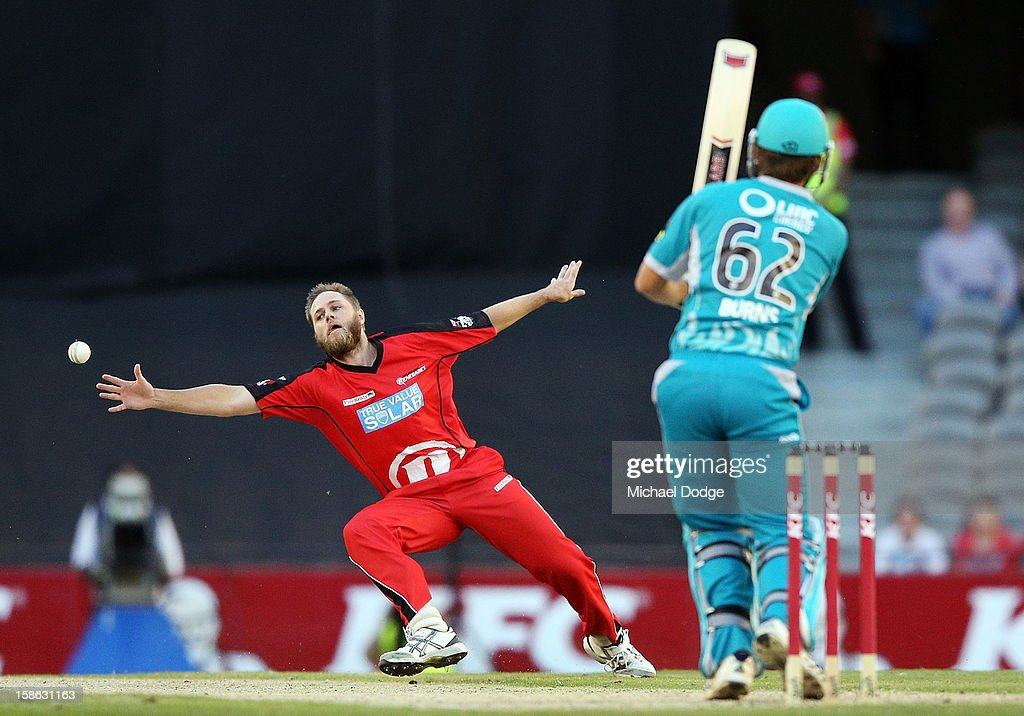 Nathan Rimmington of the Melbourne Renegades tries to catch out <a gi-track='captionPersonalityLinkClicked' href=/galleries/search?phrase=Thisara+Perera&family=editorial&specificpeople=4884953 ng-click='$event.stopPropagation()'>Thisara Perera</a> of the Brisbane Heat during the Big Bash League match between the Melbourne Renegades and the Brisbane Heat at Etihad Stadium on December 22, 2012 in Melbourne, Australia.