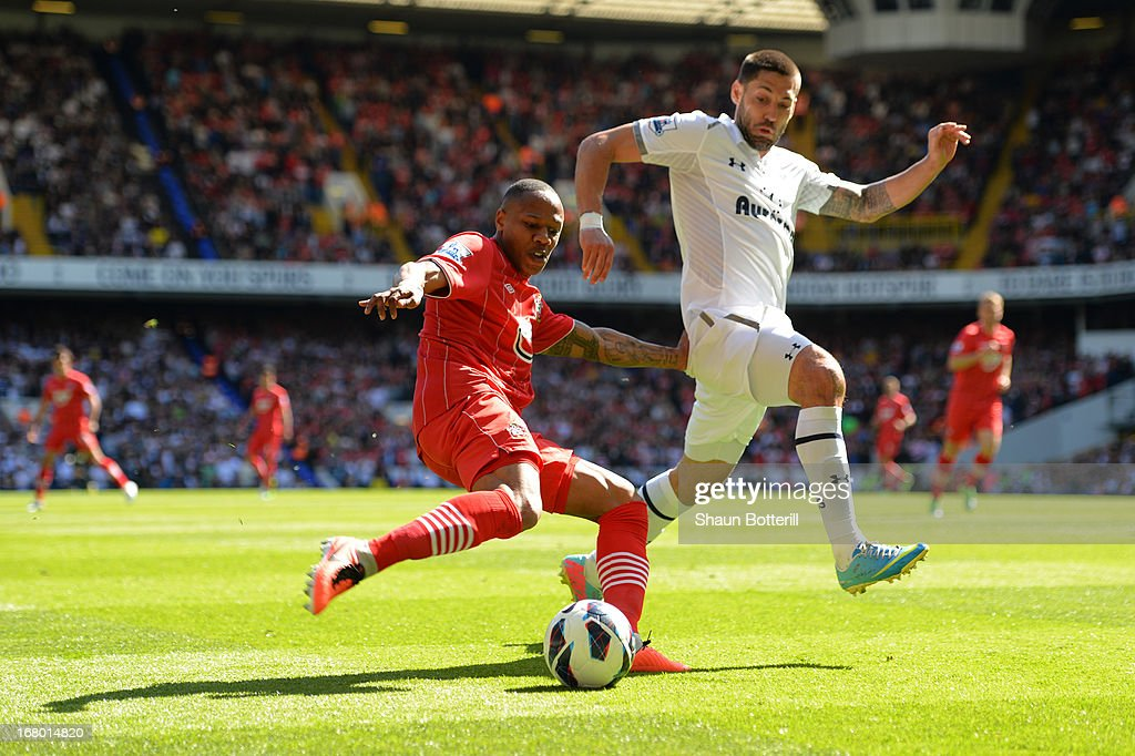 <a gi-track='captionPersonalityLinkClicked' href=/galleries/search?phrase=Nathaniel+Clyne+-+Soccer+Player&family=editorial&specificpeople=5738873 ng-click='$event.stopPropagation()'>Nathaniel Clyne</a> of Southampton is put under pressure by <a gi-track='captionPersonalityLinkClicked' href=/galleries/search?phrase=Clint+Dempsey&family=editorial&specificpeople=547866 ng-click='$event.stopPropagation()'>Clint Dempsey</a> of Tottenham Hotspur during the Barclays Premier League match between Tottenham Hotspur and Southampton at White Hart Lane on May 4, 2013 in London, England.