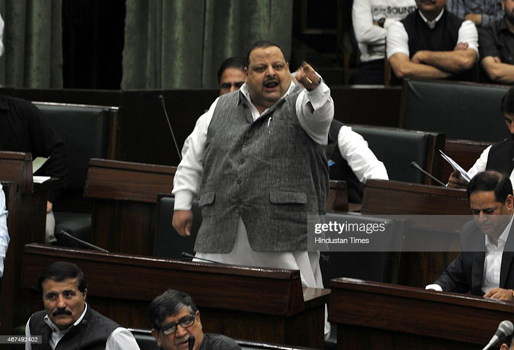 National Conference MLA Davinder Singh Rana arguing with Independent MLA Abdul Rashid during a Budget session on March 25, 2015 in Jammu, India. Last evening, National Conference member Javed Rana has accused Speaker Kavinder Gupta of being biased and demanded action against him.
