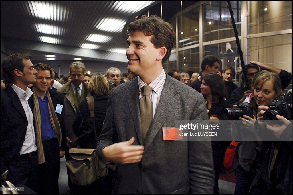 National Council Of The Socialist Party At La Defense - On November 26Th, 2005 - In Puteaux, France - Here, <a gi-track='captionPersonalityLinkClicked' href=/galleries/search?phrase=Arnaud+Montebourg&family=editorial&specificpeople=588268 ng-click='$event.stopPropagation()'>Arnaud Montebourg</a> -
