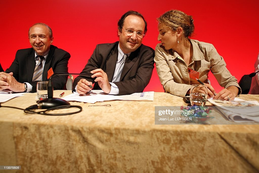 National Council Of The Socialist Party In Paris, France On July 02, 2008 - <a gi-track='captionPersonalityLinkClicked' href=/galleries/search?phrase=Gerard+Collomb&family=editorial&specificpeople=672969 ng-click='$event.stopPropagation()'>Gerard Collomb</a>, Francois Hollande, Delphine Batho.