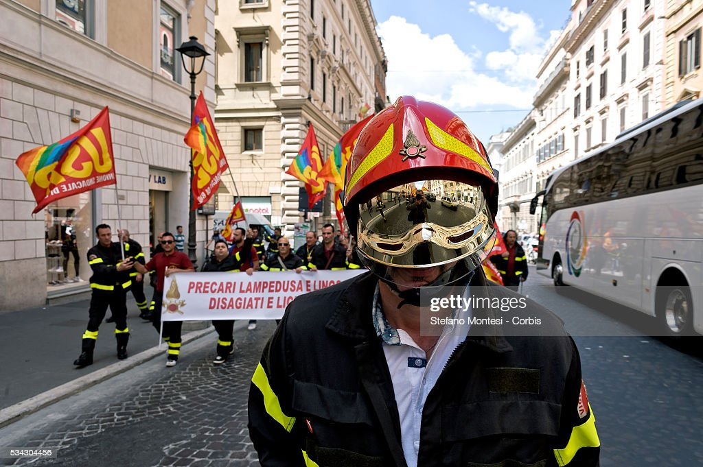 National demonstration firefighters union USB to seek renewal of the contract and against job insecurity on May 24, 2016 in Rome, Italy. (Photo by Stefano Montesi/Corbis via Getty Images).