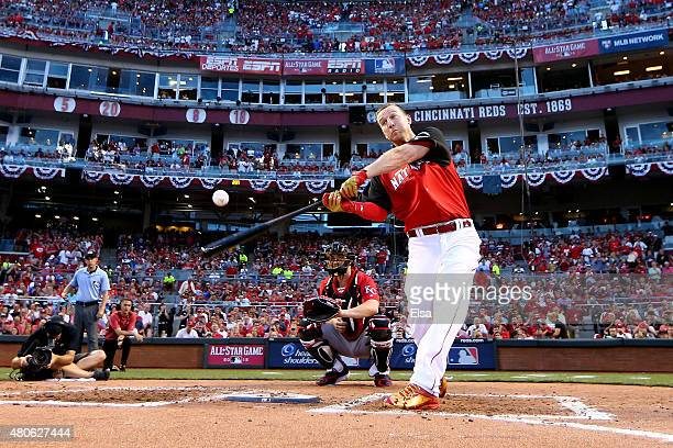 National League AllStar Todd Frazier of the Cincinnati Reds bats during the Gillette Home Run Derby presented by Head Shoulders at the Great American...