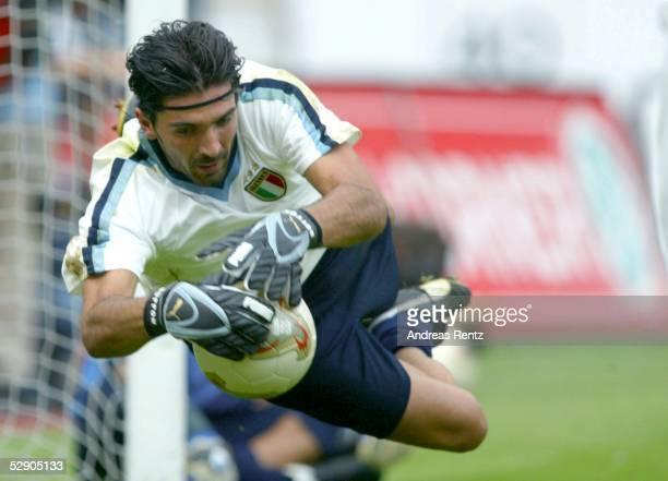 Nationalmannschaft Italien 2003 Stuttgart Training Gianluigi BUFFON
