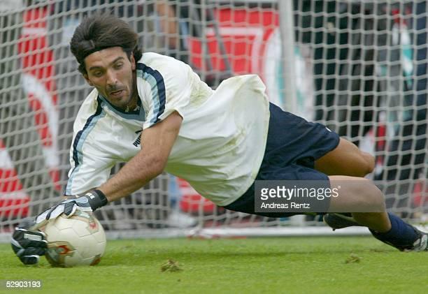 Nationalmannschaft Italien 2003 Stuttgart Training Torwart Gianluigi BUFFON
