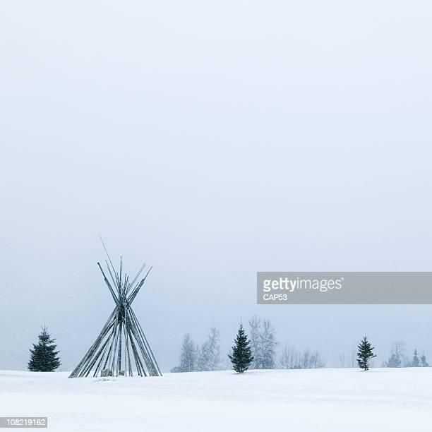 Nativo tipi di Frame durante l'inverno Neve molto forte