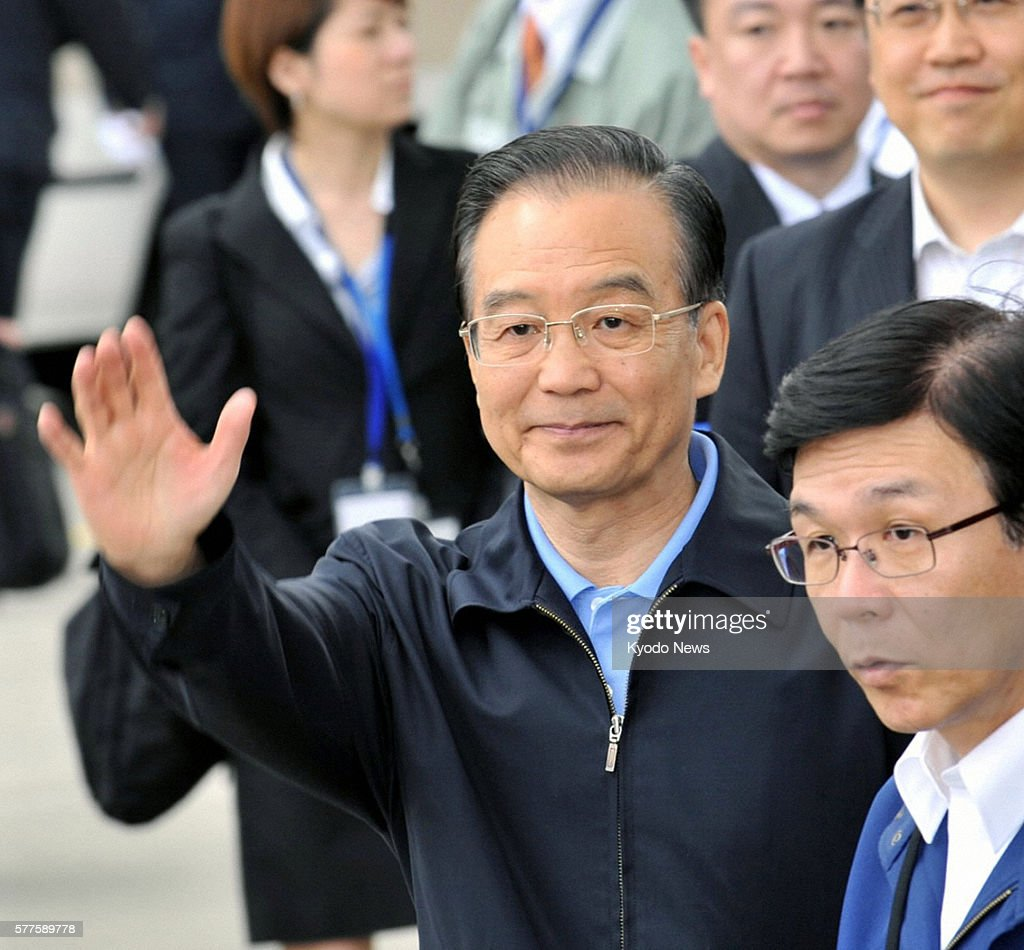 Natori Japan Chinese Premier Wen Jiabao arrives at Sendai airport in Miyagi Prefecture on May 21 to visit areas devastated by the March 11 earthquake...