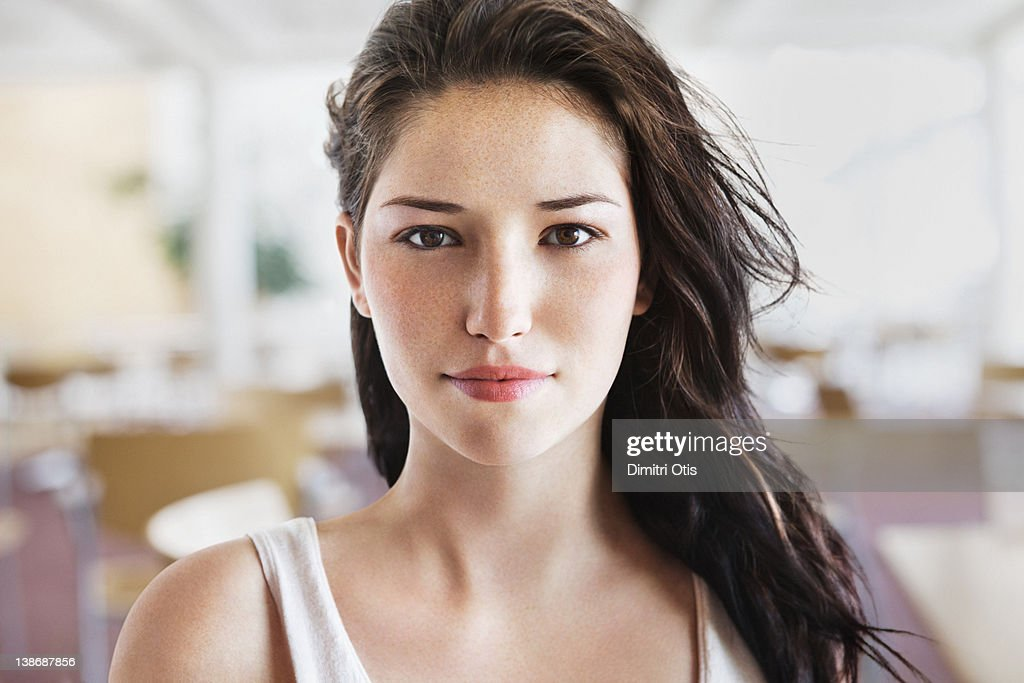 Natural beauty portrait of young woman : Stock Photo