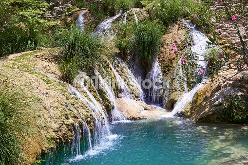 La cascade et lac polilimnio r gion la gr ce photo for Neda piscines