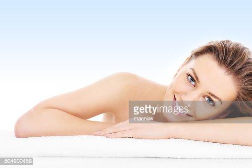 Donna naturale nel blu : Foto stock