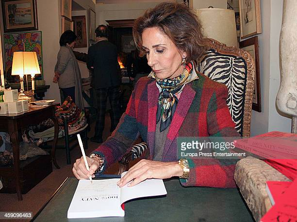 Naty Abascal attends the presentation of her book '100% Naty' on December 20 2013 in Seville Spain