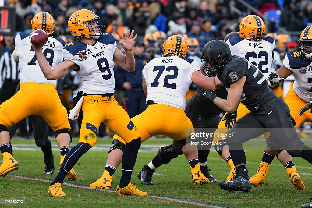 Navy Midshipmen quarterback Zach Abey (9) passes the ball against the Army Black Knights on December 10, 2016 at M&T Bank Stadium in Baltimore, MD. in the 117th Army Navy game. The Army Black Knights defeated Navy Midshipmen, 21-17.