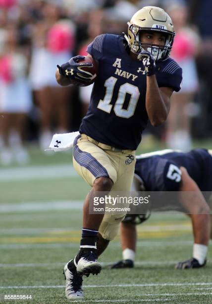 Navy Midshipmen running back Malcolm Perry in action during a match between Navy and Air Force on October 07 at NavyMarine Corps Memorial Stadium in...