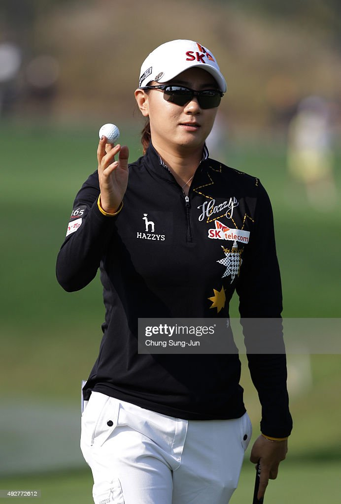 Na-Yeon Choi of South Korea reacts after a putt on the 18th green during the first round of LPGA KEB-HanaBank Championship at Sky 72 Golf Club Ocean Course on Ocober 15, 2015 in Incheon, South Korea.