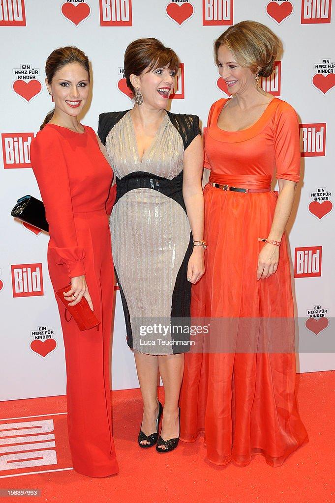 Ein Herz Fuer Kinder Gala 2012 - Red Carpet Arrivals