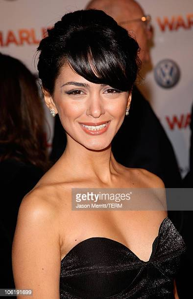 Nazanin Boniadi arrives to the premiere of Universal Pictures' 'Charlie Wilson's War' at City Walk Cinemas on December 10 2007 in Universal City...