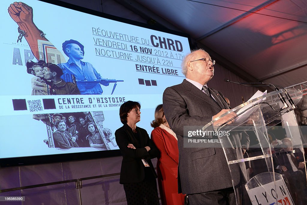 Nazi hunter, French lawyer and President of the 'Association des fils et filles des deportes juifs de France' (Sons and daughters of Jews deported from France), Serge Klarsfeld delivers a speech on November 14, 2012 at the Centre of History of French Resistance and Deportation (CHRD) in Lyon, eastern France, two days ahead of its reopening after a one-year revamp. AFP PHOTO PHILIPPE MERLE