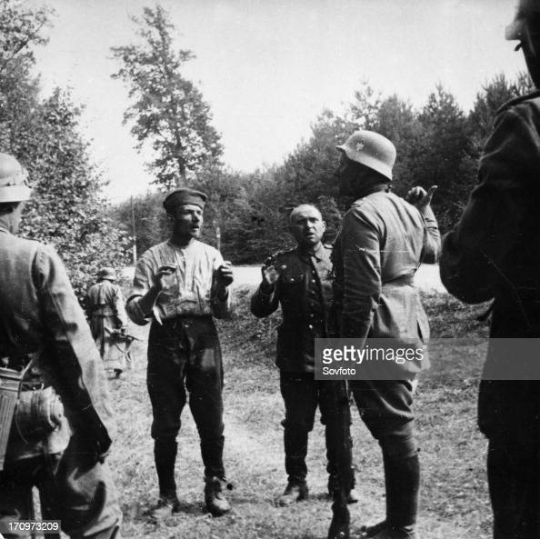 Nazi Invasion Of Poland German Soldiers With Polish Pows In September Picture Id S X