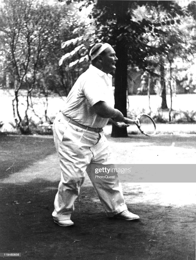 Hermann Goering playing tennis in the garden o… – History