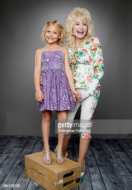 EVENTS NBCUniversal Portrait Studio August 2015 Pictured Actors Alyvia Lind and Dolly Parton from 'Coat of Many Colors' pose for a portrait at the...