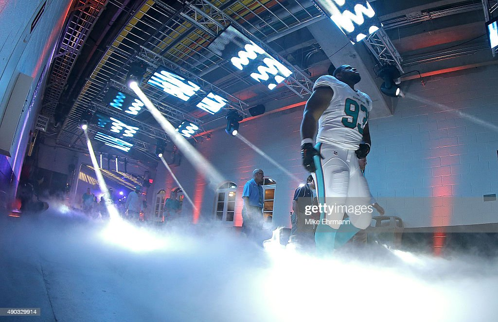Ndamukong Suh #93 of the Miami Dolphins takes the field during a game against the Buffalo Bills at Sun Life Stadium on September 27, 2015 in Miami Gardens, Florida.