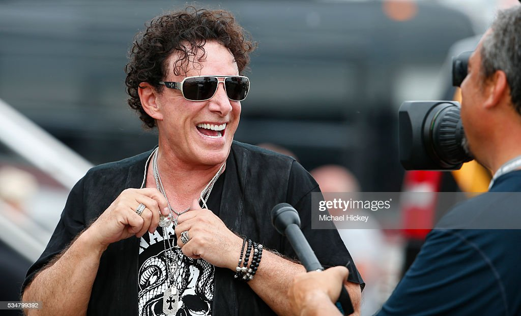 <a gi-track='captionPersonalityLinkClicked' href=/galleries/search?phrase=Neal+Schon&family=editorial&specificpeople=595042 ng-click='$event.stopPropagation()'>Neal Schon</a> is seen backstage at the Indianapolis Motor Speedway on May 27, 2016 in Indianapolis, Indiana.