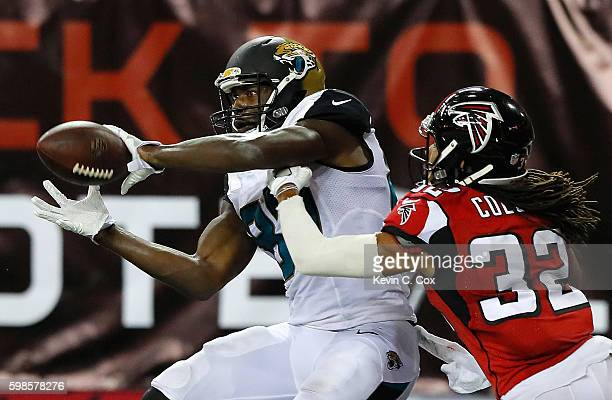 Neal Sterling of the Jacksonville Jaguars pulls in this twopoint conversion against Jalen Collins of the Atlanta Falcons at Georgia Dome on September...