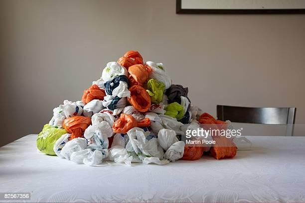 Propre pile de sacs en plastique
