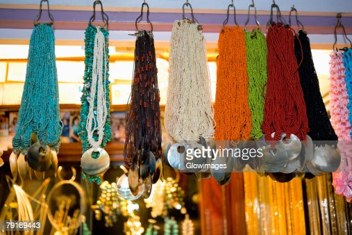 Necklaces displayed in a store : Foto de stock