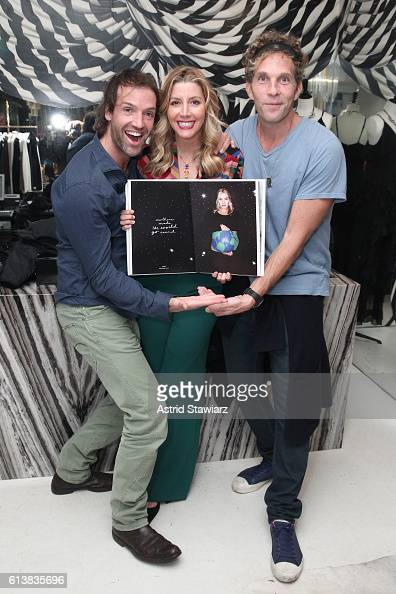 Ned Rocknroll Sara Blakely and Jesse Itzler pose for a photo together as Sara Blakely and Alice Olivia celebrate the launch of 'The Belly Art...
