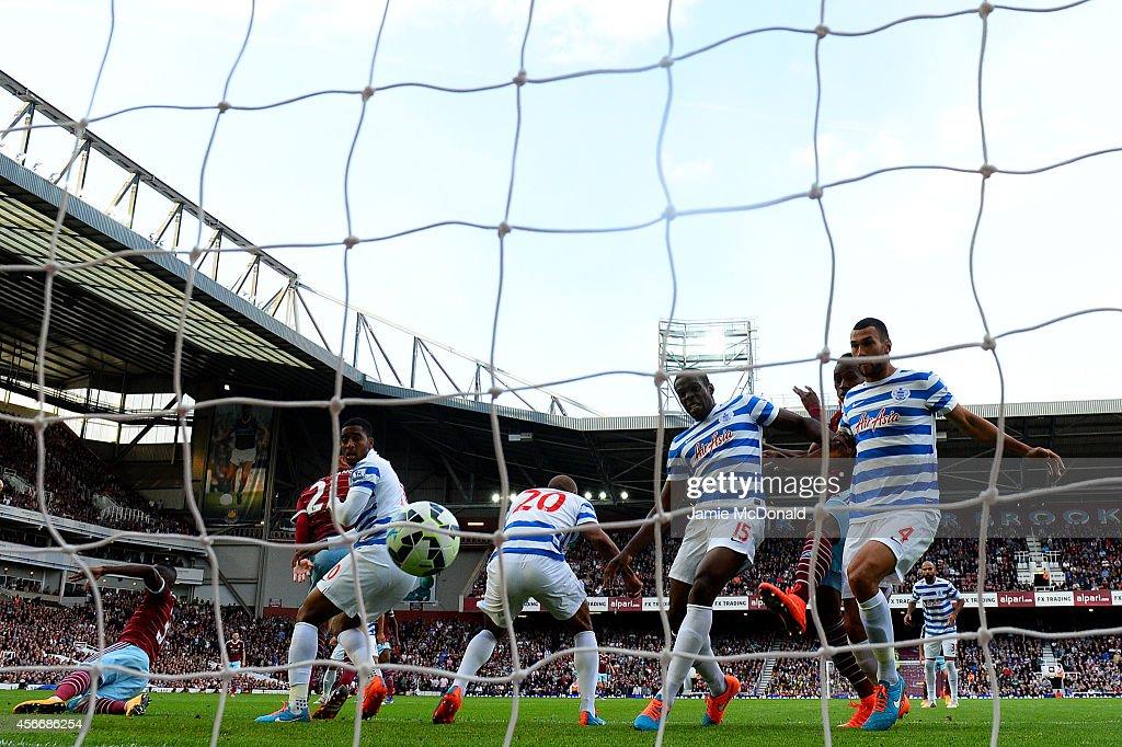 West Ham United v Queens Park Rangers - Premier League