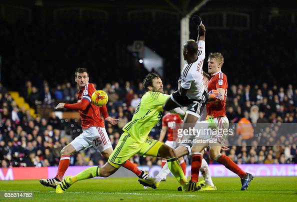 Neeskens Kebano of Fulham scores the 3rd Fulham goal during the Sky Bet Championship match between Fulham and Nottingham Forest at Craven Cottage on...