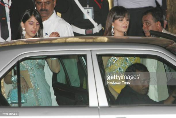Neeta Lulla at the wedding of Aishwarya and Abhishek Bachchan