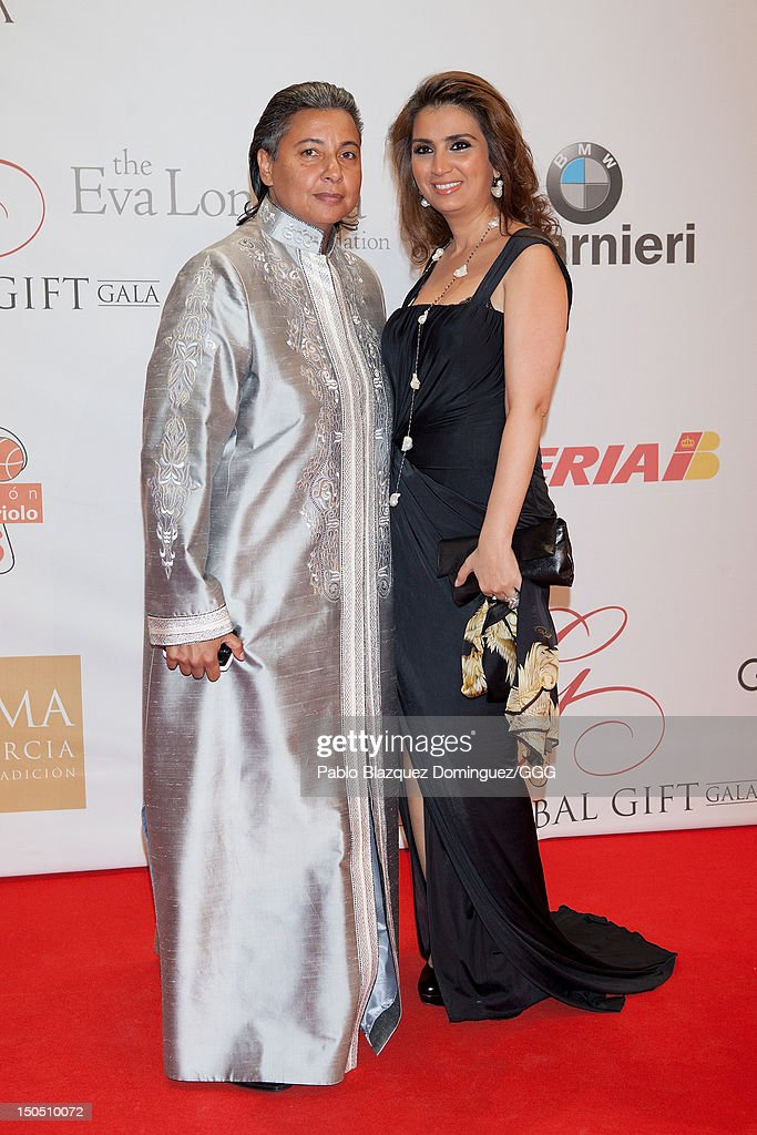 Neeveen Ashmawi (L) attends the Global Gift Gala held to raise benefits for Cesare Scariolo Foundation and Eva Longoria Foundation on August 19, 2012 in Marbella, Spain.