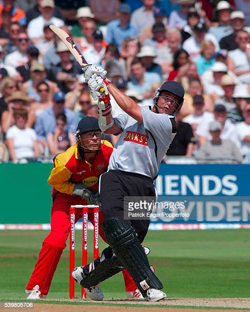 Neil Carter of Warwickshire batting during the Twenty20 Cup SemiFinal between Leicestershire and Warwickshire at Trent Bridge Nottingham 19th July...