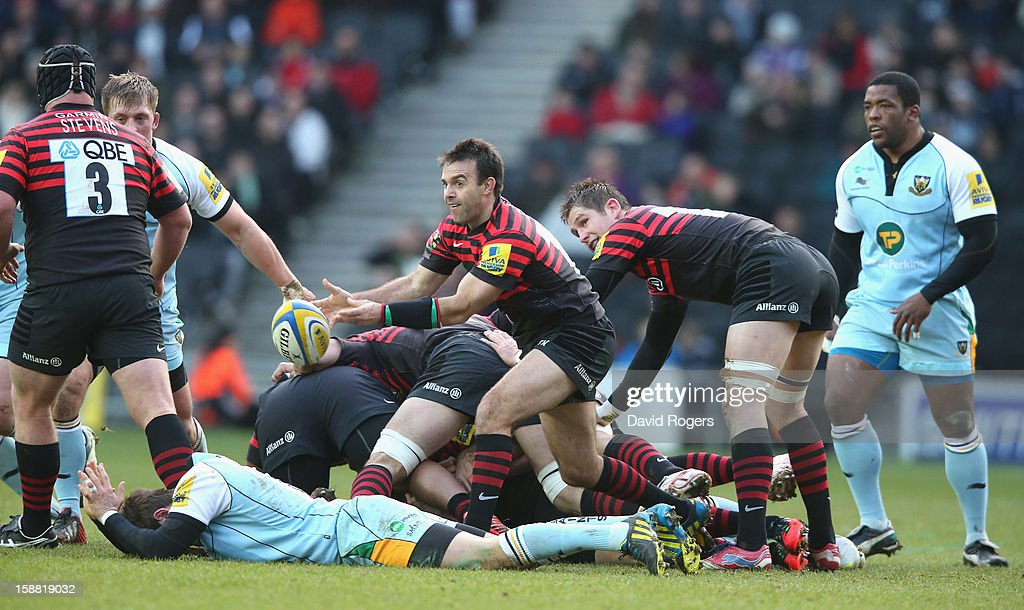 Neil de Kock of Saracens passes the ball during the Aviva Premiership match between Saracens and Northampton Saints at stadiumMK on December 30, 2012 in Milton Keynes, England.