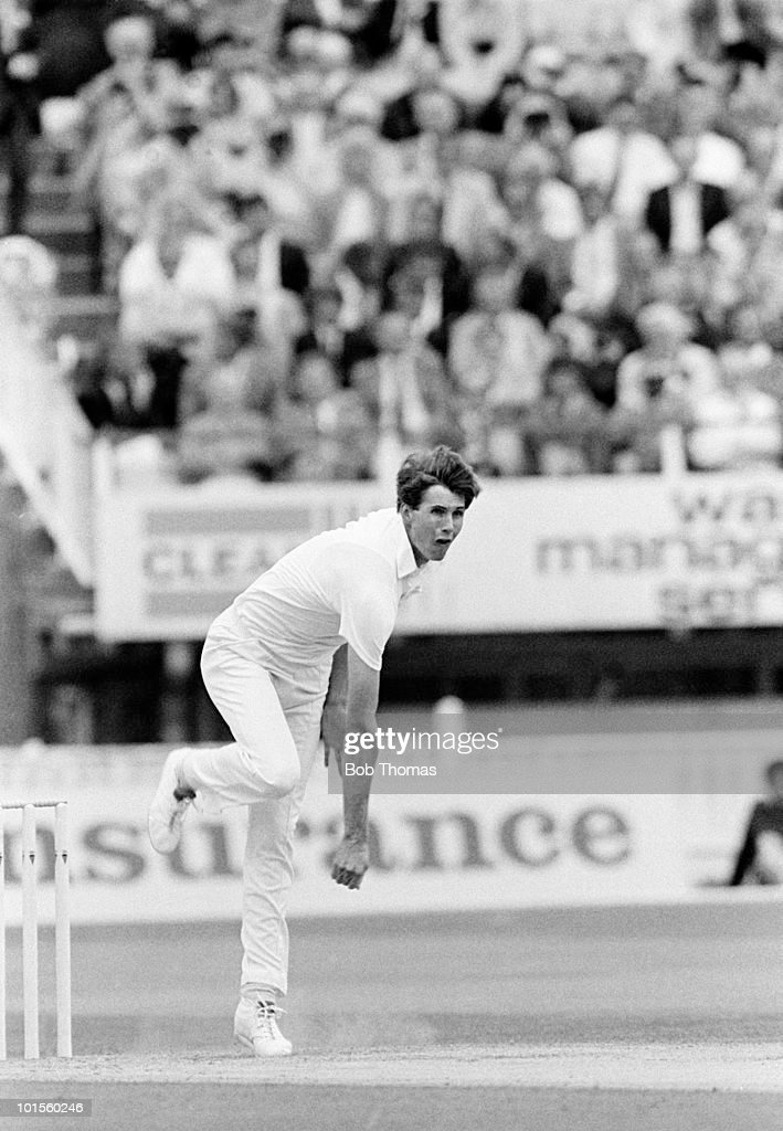 Neil Foster bowling for England against India during the 3rd Test Match held at Edgbaston, Birmingham on 3rd July 1986. The match ended in a draw. (Bob Thomas/Getty Images).