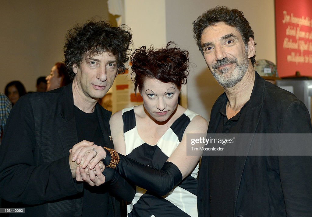 <a gi-track='captionPersonalityLinkClicked' href=/galleries/search?phrase=Neil+Gaiman&family=editorial&specificpeople=4356967 ng-click='$event.stopPropagation()'>Neil Gaiman</a>, Amanda Palmer, and <a gi-track='captionPersonalityLinkClicked' href=/galleries/search?phrase=Chuck+Lorre&family=editorial&specificpeople=2307242 ng-click='$event.stopPropagation()'>Chuck Lorre</a> pose at the Warner Brothers TV 2013 SXSW party on March 9, 2013 in Austin, Texas.