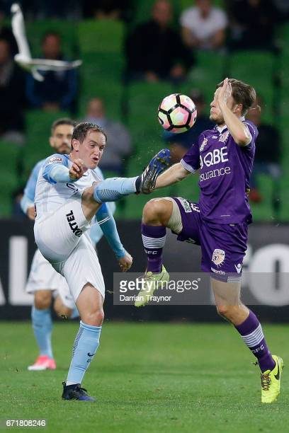 Neil Kilkenny of Melbourne City and Chris Harold of Perth Glory compete for the ball during the ALeague Elimination Final match between Melbourne...